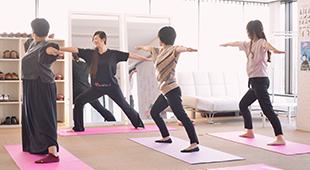 体を動かすプログラムによって基礎体力向上を目指します